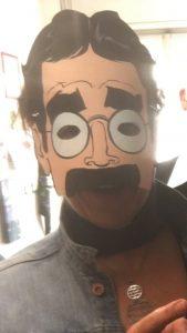 Marina travestita da Groucho